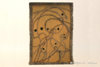 """Handgeweven wandkleed """"Vogellijnen"""" van Margaret Sabee Weefkunst in Den Haag"""