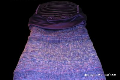 Paars Blauwe wade van Margaret Sabee Weefkunst Den Haag
